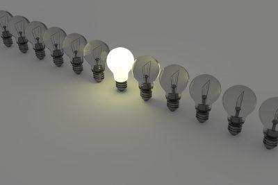 light-bulbs-1125016_1920 (1)